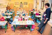 KRITICKÝ NEDOSTATEK je v Praze hlavně učitelů na prvním stupni. Zaskakují tak i kantoři v důchodu. Ilustrační foto.