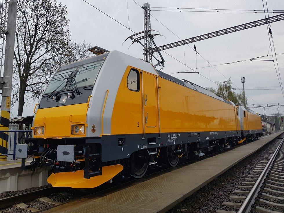 Firma RegioJet představila nové lokomotivy značky Bombardier Traxx MS2.