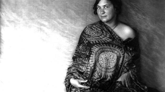 Marie Majerová (Ateliér Fr. Drtikol).