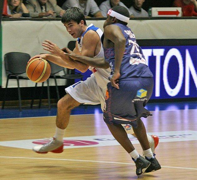Basketbalisté USK Praha předvedli proti Děčínu úžasný obrat.