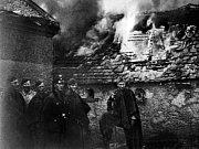 Vojáci SS – Vojáci SS byli pověstní pro svoji krutost, a i v bojích o Chodov bezdůvodně vraždili kolemjdoucí a rodiny ukrývající se v domech.