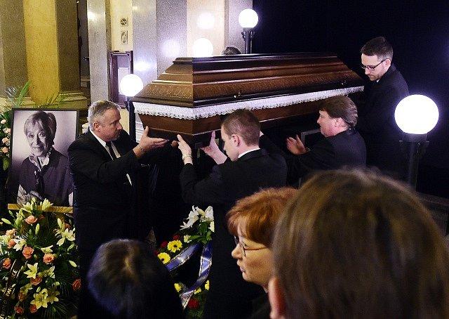 Poslední rozloučení s herečkou Lubou Skořepovou.