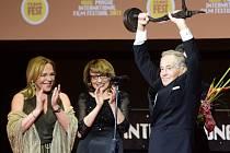 Herec Jan Tříska převzal cenu Kristián při zahájení filmového festivalu Febiofest.
