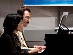 Klavírní duo Sugiko Chinen a Luca Colombo.