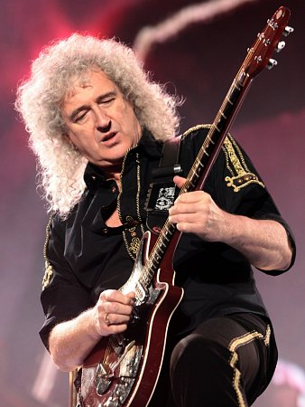 Koncert skupiny Queen a Adama Lamberta vpražské O2 Areně.