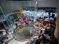 Premiérové mistrovství světa v indoor skydivingu se konalo v Letňanech, v jediném větrném tunelu v České republice. Na této akci se představilo 202 závodníků z 23 zemí světa a zároveň všech kontinentů.