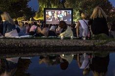 V pražských Žlutých lázních byl zahájen 18. července program letního kina.