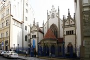 Maiselova synagoga byla postavena na sklonku 16. století na podnět významného mecenáše pražské židovské obce Mordechaje Maisela. Během své existence byla několikrát přestavěna a nyní je v novogotickém slohu.