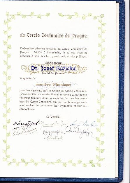 PRÁVNÍK Josef Růžička působil před válkou a za války jako panamský konzul. Svou funkci využil kzáchraně židovských rodin. Sám za to zaplatil životem.