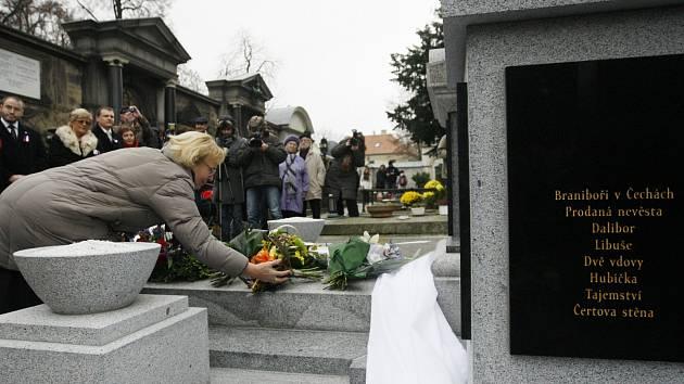 Odhalení Smetanovy hrobky na Vyšehradě