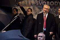 Oslavy 25. výročí sametové revoluce 17. listopadu v Praze. Albertov