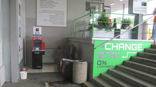 Poškození automatu.