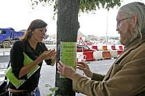 DALŠÍ OBĚT BLANKY? Ač má tunel Letné od dopravy ulevit, město chce ulici Milady Horákové rozšiřovat. To by znamenalo konec stromořadí, které chrání obyvatele před prachem z rušné ulice.