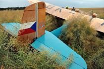 Havárie historického letadla.