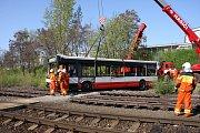 Přípravy cvičení, které prováděla jednotka HZS SŽDC ve spolupráci s velitelem pražských hasičů.