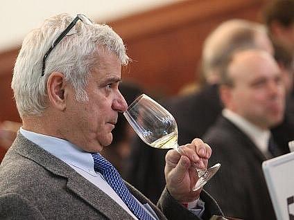 Petr Štěpánek na festivalu vína Prague Wine Week.