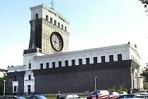 Kostel Nejsvětějšího Srdce Páně na náměstí Jiřího z Poděbrad v Praze 3.