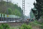 Sebebraždu skokem pod vlak spáchala v úterý zpěvačka Iveta Bartošová.