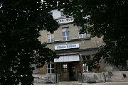 Historické nádraží Praha - Bubny je v ohrožení. Část jeho areálu teď byla zbavena památkové péče.