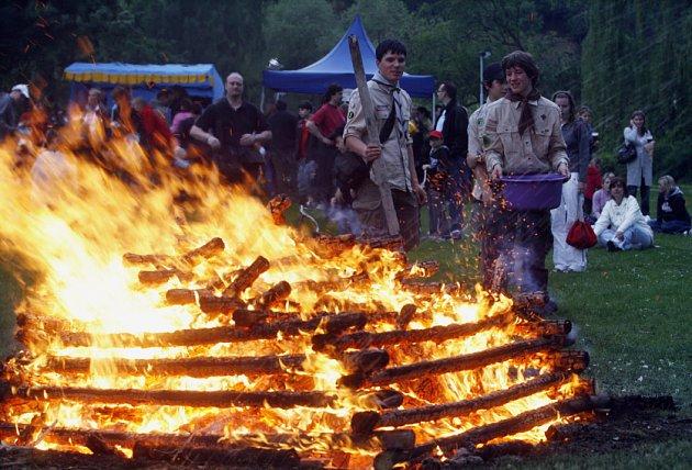 Tradiční pálení čarodějnic se konalo 30. dubna 2009 u Břevnovského kláštera v Praze.