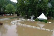 Velká voda má dopad i na pražská sportoviště.