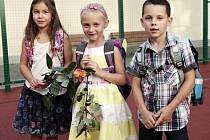 Tyto děti měly štěstí. Na začátku září mohly nastoupit do první třídy. Už za několik let mohou mít jejich mladší kamarádi problém. Pokud se nezmění způsob financování školství a také politika městských částí a magistrátu vůči investorům. Ilustrační foto.
