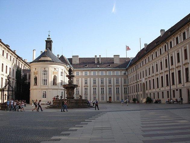 Císařská konírna na Pražském hradě. Druhé nádvoří.