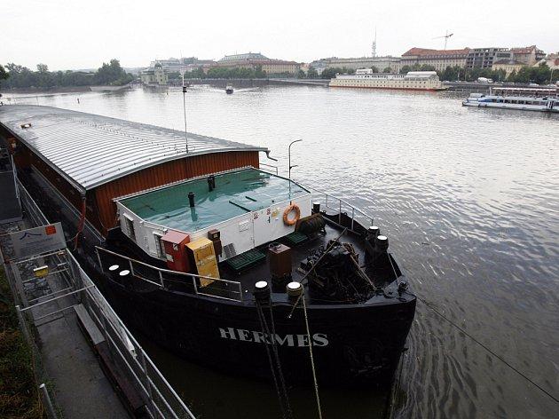 Loď Hermes.