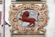 Dům U červeného lva z roku 1608.