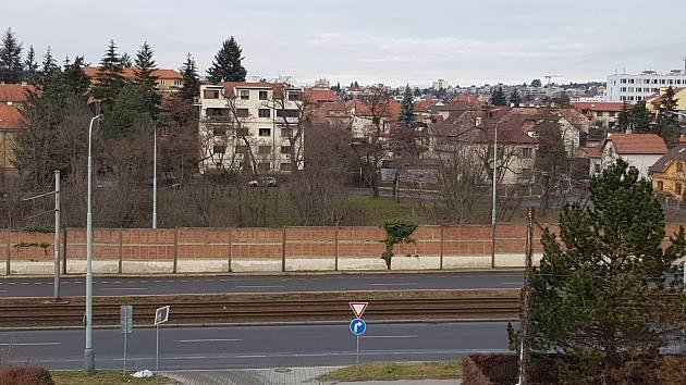 Protihluková stěna při ulici Generála Šišky vPraze 12