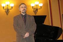 Skladatel a ředitel Pražské konzervatoře Pavel Trojan