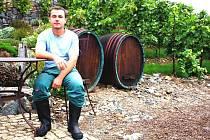 Vedoucího vinice svaté Kláry Martina Beránka právě čeká hlavní sklizeň. Za tři dny otrhají celý vinohrad a začnou pracovat ve sklepě.