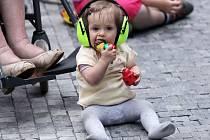 Festival Pražské folklorní dny 24. 7. - 26. 7. 2014 je osmým ročníkem mezinárodního setkání folklorních souborů. Festivalu se účastní celkem 46 tanečních skupin, hudebních a pěveckých souborů z Evropy, Asie a Ameriky