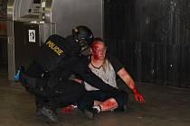 Záchranné složky nacvičovaly v pražském metru zásah při teroristickém útoku.