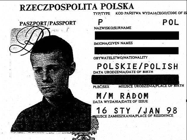 OPEROVAL NA ZAHRÁDKÁCH RESTAURACÍ. Polský občan se svými kumpány okrádal turisty odpočívající u kávy. Odlákali jejich pozornost a mezitím kradli zavazadla.