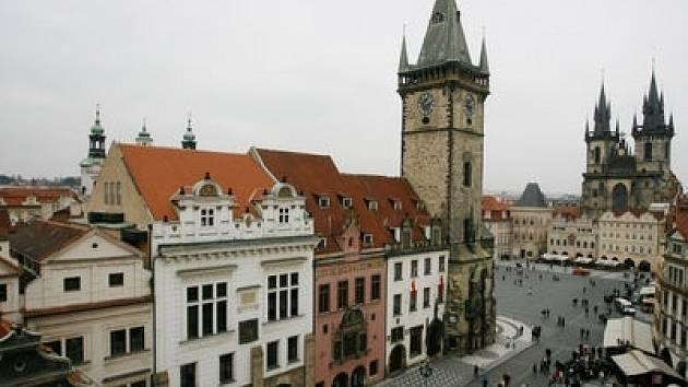 Magistrát chce pronajmout historické domy na Staroměstském náměstí.