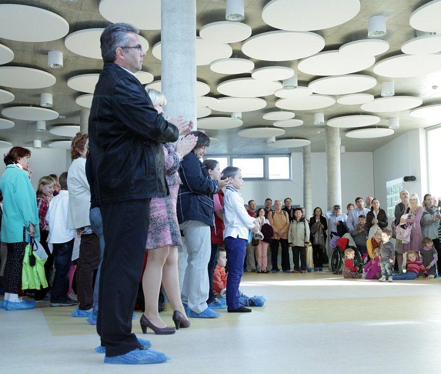 Slavnostní otevření nové mateřské školy ve Slivenci.