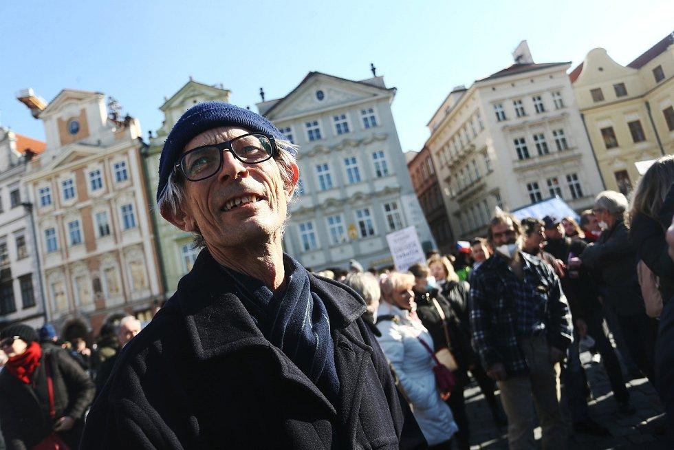 Demonstrace iniciativy Chcípl PES proti vládním opatřením v Praze v neděli 7. března 2021.