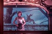 Generální zkouška kabaretní revue Wanted, kde hlavní roli hraje Dagmar Pecková, proběhla 10. dubna v pražské  Lucerně.