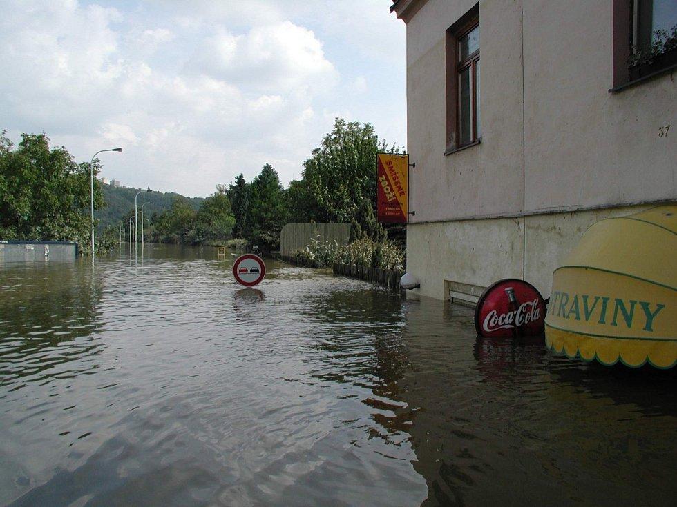 Povodně z roku 2002 v metropoli. Na fotkách je území městské části Praha 6.