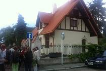 Tisíce lidí využily příležitost a zamířily do pražských muzeí. Těch se od 19 do 1 hodin v rámci akce Pražská muzejní noc otevřelo 34. Na snímku Trmalova vila ve Strašnicích.