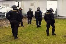 Policisté nakonec nemuseli zasahovat víc než při běžném utkání