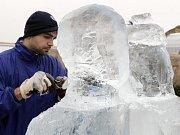 Festival ledových soch v Galerii Harfa.