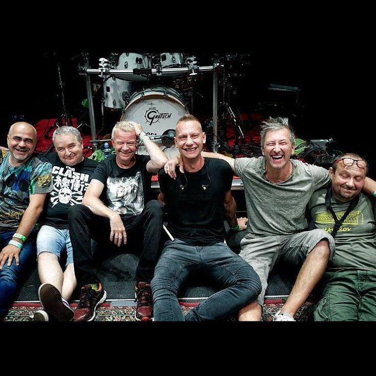 Mňága a Žďorp pokračují v sérii online koncertů ze své zkušebny se zajímavými hosty.