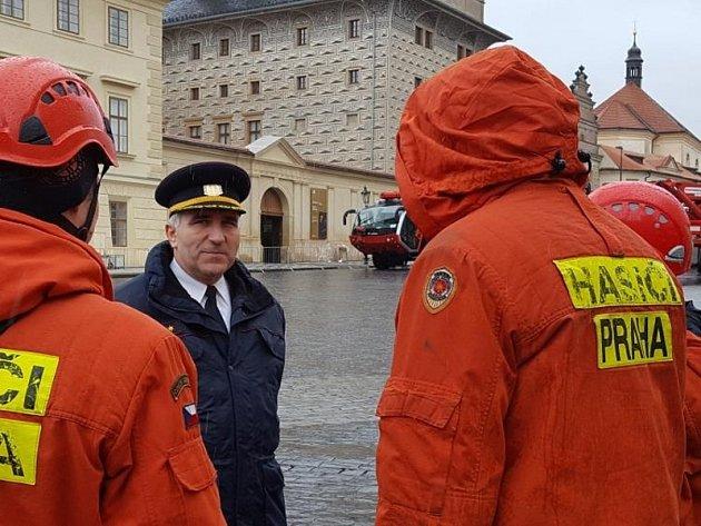 Ze Dne hasičstva na Hradčanském náměstí v Praze.