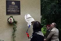 Na domu č.p. 4 ve Fetrovské ulici v Praze 6 se uskutečnilo slavnostní odhalení pamětní desky armádního generála Aloise Eliáše.