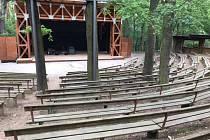 Řevnické divadlo bude v sobotu patřit druhému ročníku benefiční hudební akce Šlinc fest.