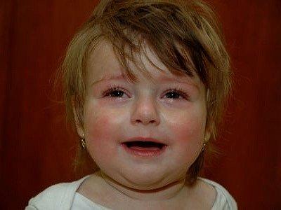NÁSILÍ NA NEJBLIŽŠÍCH. Lhostejnost okolí někdy zapříčiní, že rodiče týrají vlastní děti měsíce, a někdy i roky./Ilustrační foto