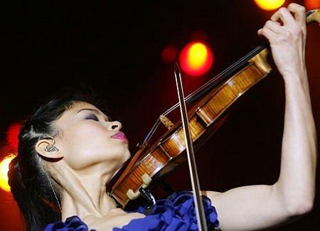 V O2 aréně vystoupila ve čtvrtek 25. září 2008 houslistka Vanessa Mae.