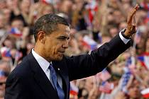 """DOTYK """"VELKÉHO SVĚTA"""". Návštěva Baracka Obamy přinesla Praze pozornost celé planety i neývalé bezpečností opatření, všechno se ale rychle vrací do normálu."""